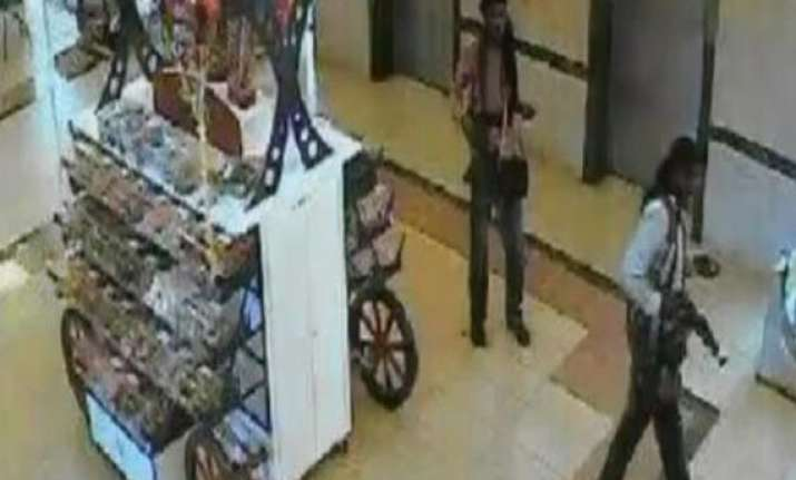 kenya mall attack cctv footage shows 4 attackers in mall