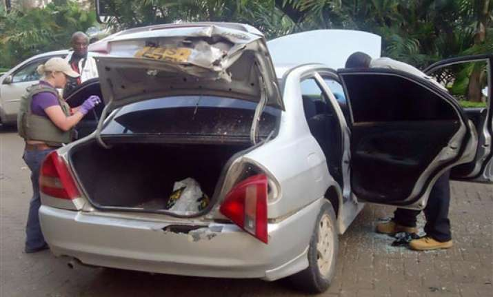 kenyan police detail car used in mall attack