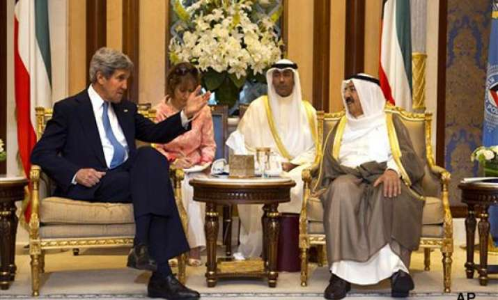 kerry urgent progress is needed on mideast peace