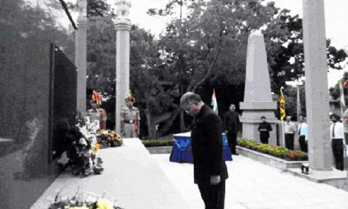 krishna pays tributes to ipkf soldiers at lanka memorial