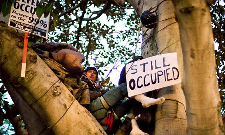 la protesters defy eviction efforts go to court