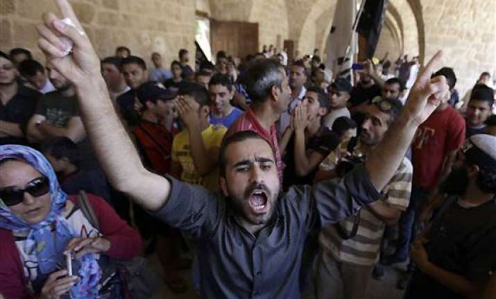 lakhs of syrians come out on streeets against assad