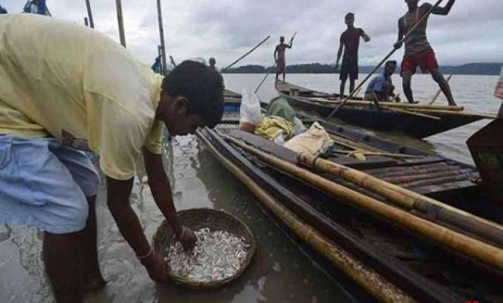 lanka india to hold talks on may 12 to solve fishermen issue