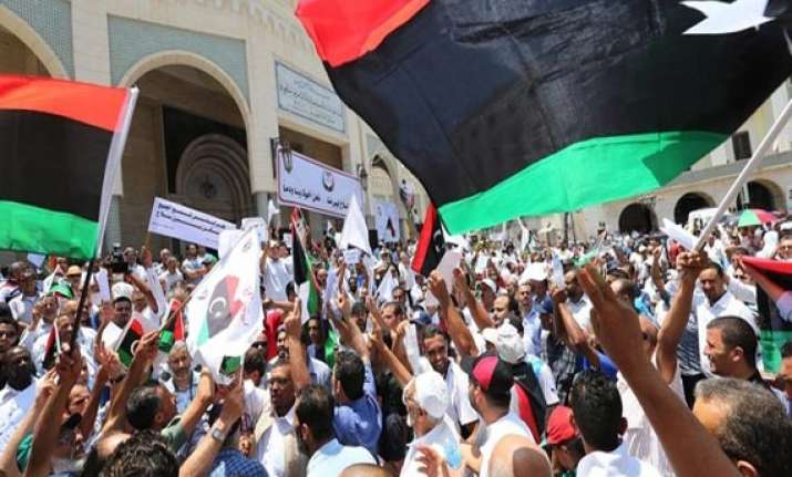 libyan protesters storm islamist offices