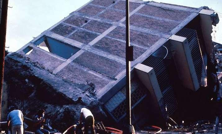 6.3 magnitude earthquake rocks mexico