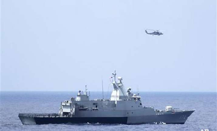 malaysian plane s search may expand to indian ocean us