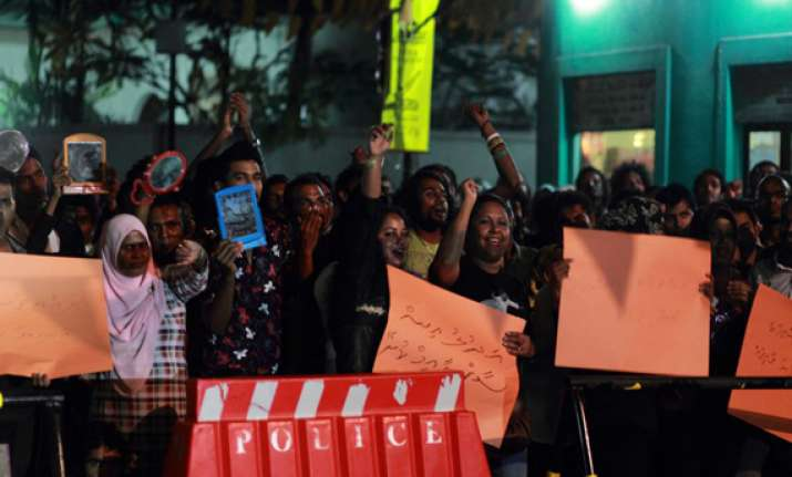 maldives cancels presidential poll over political impasse