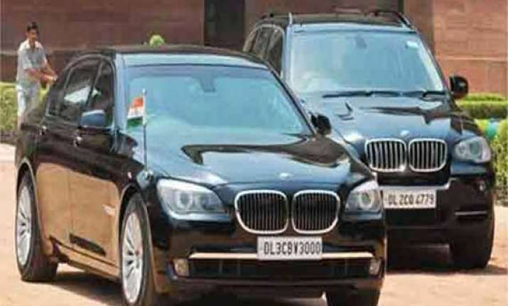 narendra modi travelled in his armoured bmw in thimphu