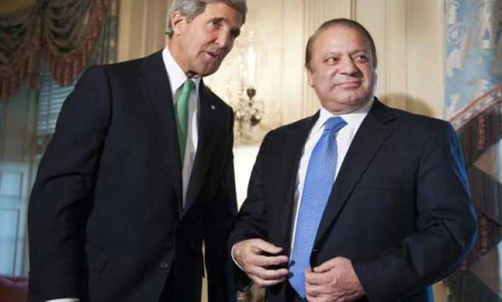 nawaz sharif meets us secretary of state kerry