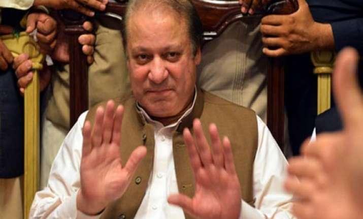 nawaz sharif s cabinet takes oath