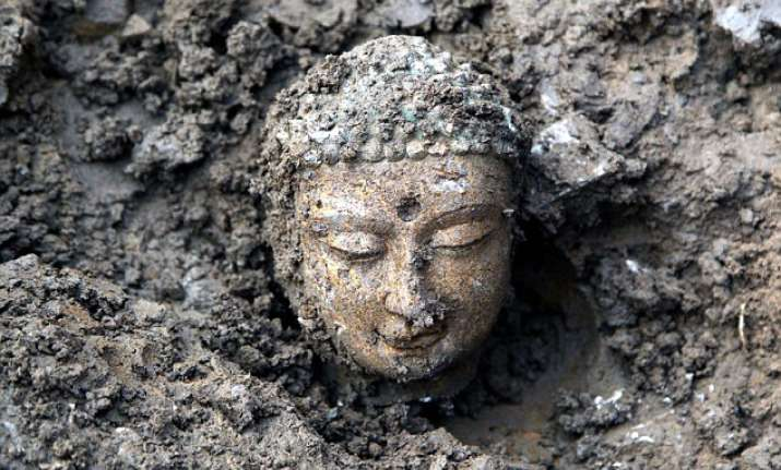 nearly 3 000 ancient buddha statues unearthed in china