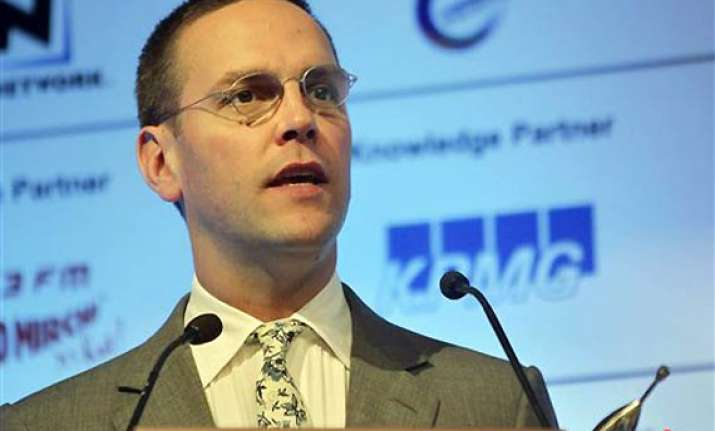 news of the world to close james murdoch announces