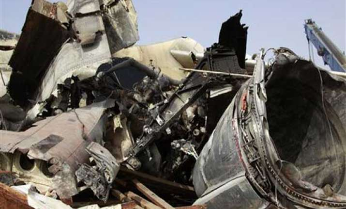 nigeria reviews toll in air crash to 159