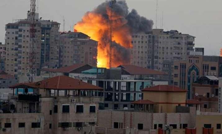 nine killed in israeli air strikes as egypt urges talks