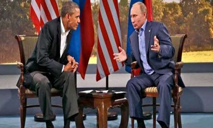 obama asks putin to withdraw forces from ukraine