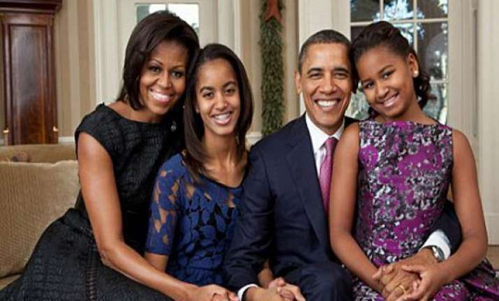 obama bans his daughters from using facebook