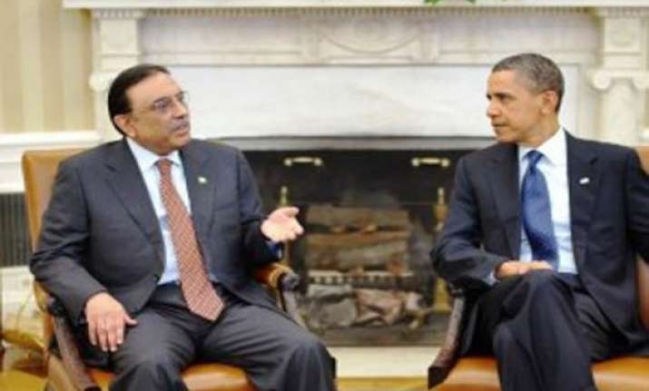 obama speaks to zardari on terror issue