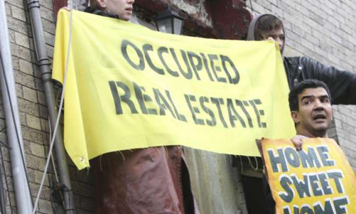 occupy protests move to foreclosed homes in us
