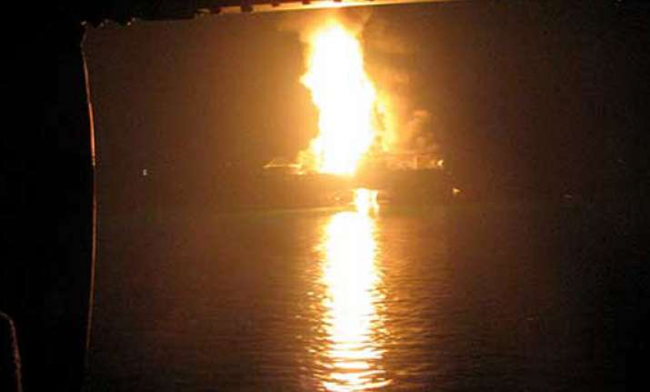 oil rig fire kills indian french in nigeria