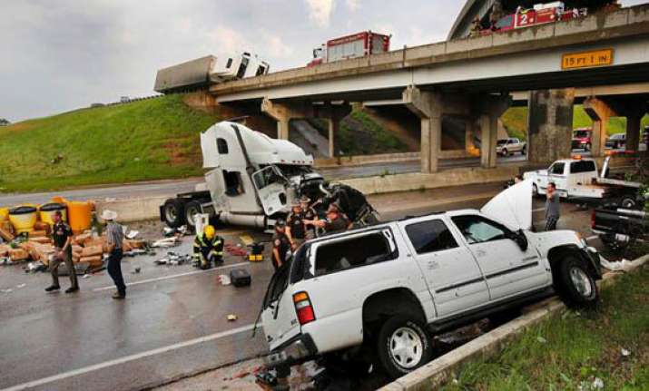 oklahoma tornado toll lowered to 24 from 91