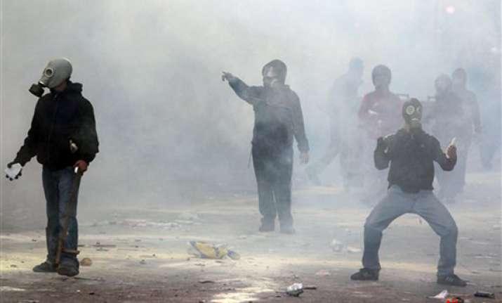 one dead in greek riots