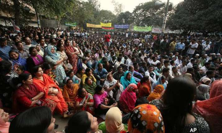 opposition strike cripples life in bangladesh