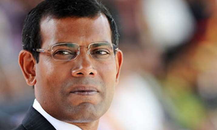 ousted maldives president nasheed rejects police summons