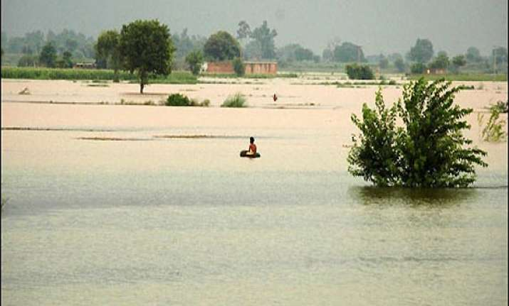 over 3 lakhs affected in pak floods death toll 108