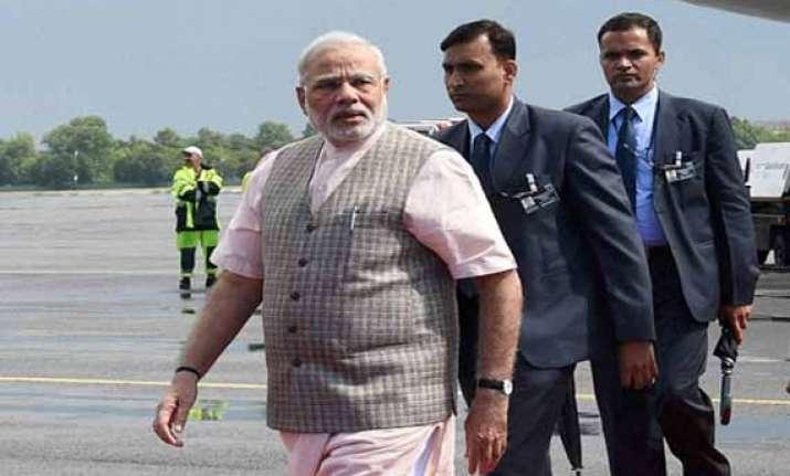 pm narendra modi leaves for home