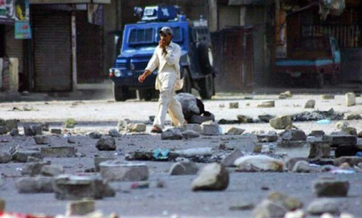 ppp leader among two people killed in karachi violence