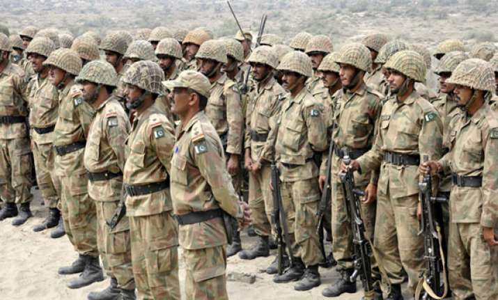 pak army wants dialogue with india but with all options open