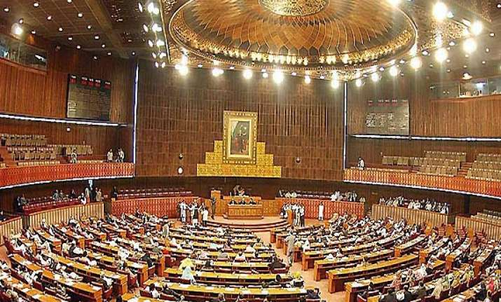 pak parliament passes resolution against india over loc