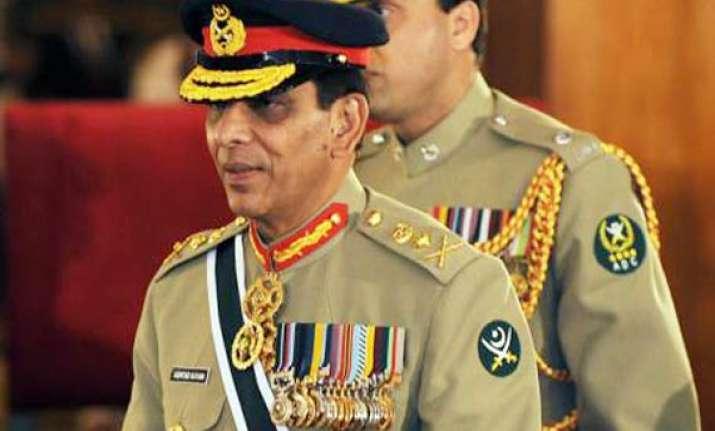 pak army chief angry over negative propaganda