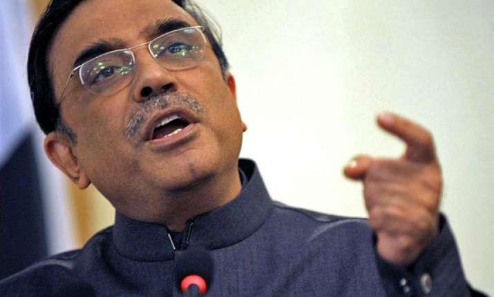 pak court admits petitions against zardari