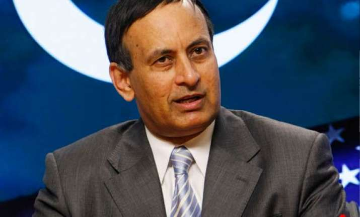 pak envoy haqqani leaves for home to explain secret memo