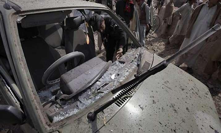 pak politician escapes unhurt as suicide bomber kills 15