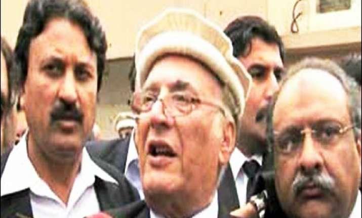 pak provincial governor survives assassination bid