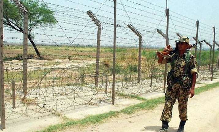 pak troops put on high alert along loc