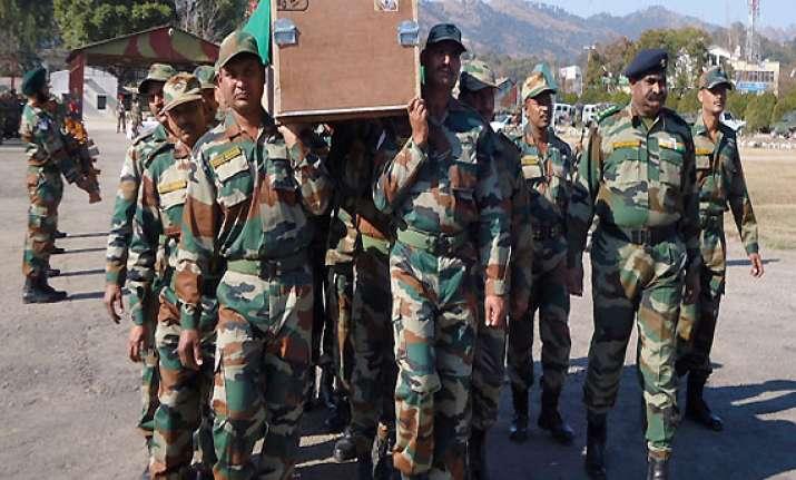pakistan denies killing five indian soldiers