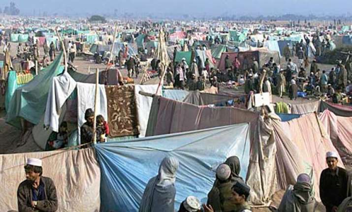 pakistan extends stay of afghan refugees till 2015