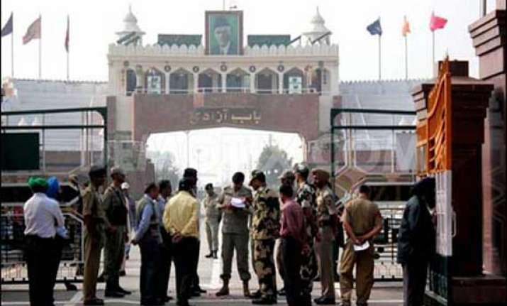pakistan frees 151 indian prisoners