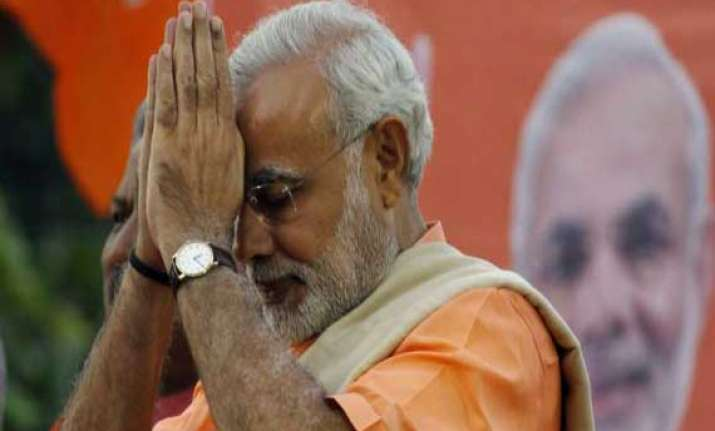 pakistan looks forward to have good relations with narendra
