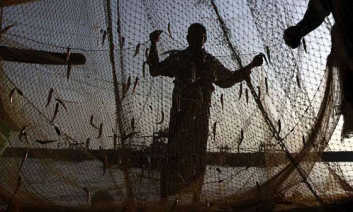pakistan to release 151 indian fishermen tomorrow