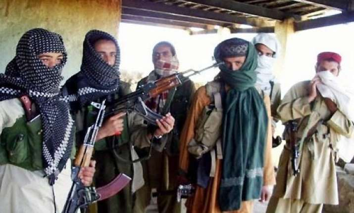 pakistani taliban split on ceasefire extension