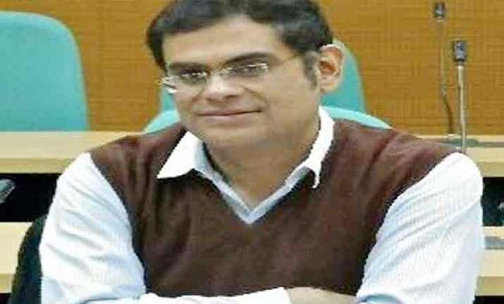pakistani journalist raza rumi attacked in lahore 1 killed