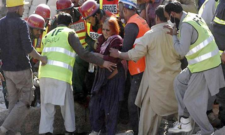pakistani woman saved after 31 hours under rubble