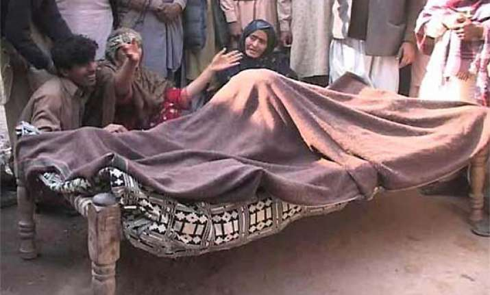pakistani landlords held for killing farmer by dogs