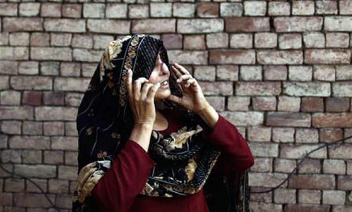 pakistani woman gets nose 32 years after her husband sliced
