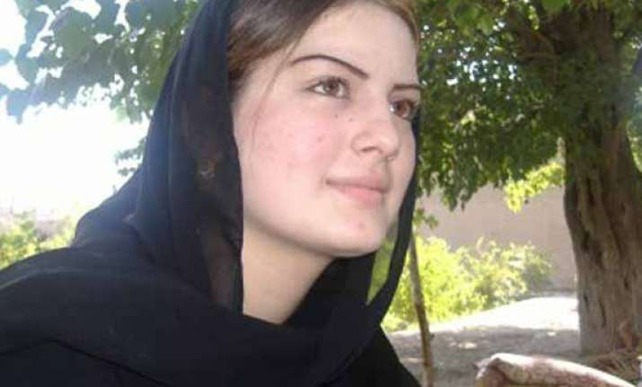 pashto singer ghazala javed and her father shot dead in