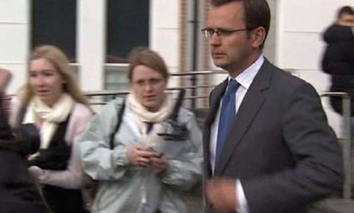 phone hacking former news of the world editor gets bail